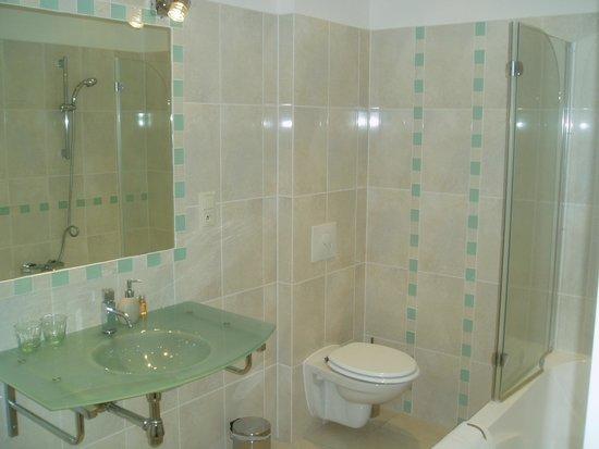 Manneville-la-Raoult, França: Salle de bains.