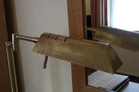 Hilton Nottingham : Old lamp