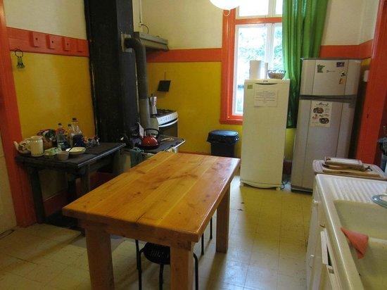Hostal Margouya Patagonia: Margouya - Kitchen