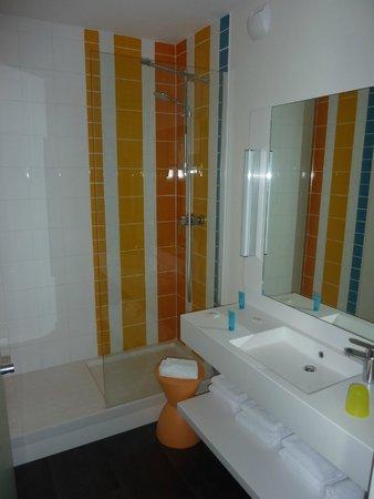 Ibis Styles Brest Centre Port : Salle de bains