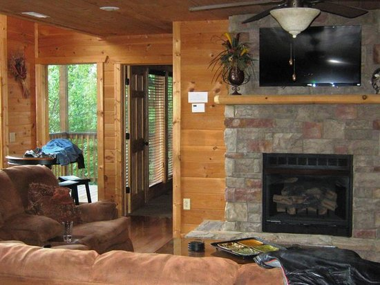 Accommodations by Parkside Resort : amazing Living Room