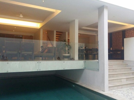 Villa Kayu Raja: Mohamed in living room 2014