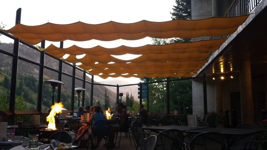El Chanate Restaurant : Lovely patio dining with firepits