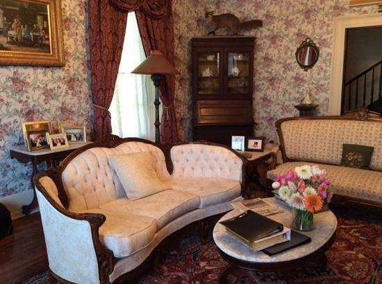 Doctor's Inn : living room