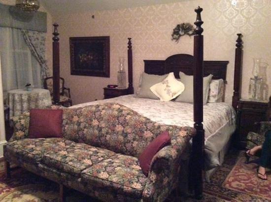 Doctor's Inn: our room 1st floor back & terrace