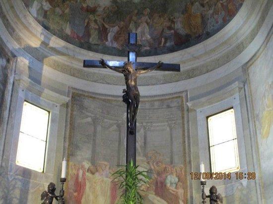 Mediterraneo Albergo: Chiesa Di Pietrasanta Interno