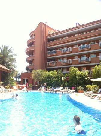 Sunway Playa Golf Hotel & Spa Sitges : Pool view