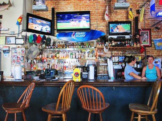 StingRay's on Tybee: Plenty to drink