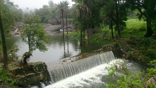Mount  Abu: Waterfall