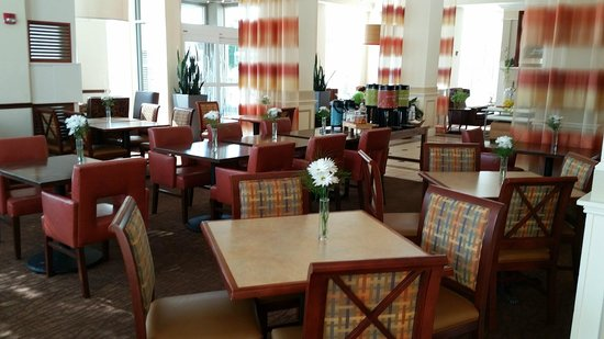 Hilton Garden Inn Oshkosh: Breakfast Area
