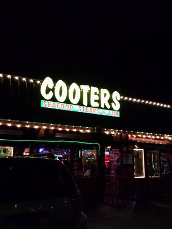 Cooters Restaurant & Bar: Cooters