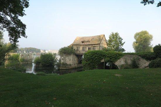 Le Vieux Moulin de Vernon : THE OLD MILL