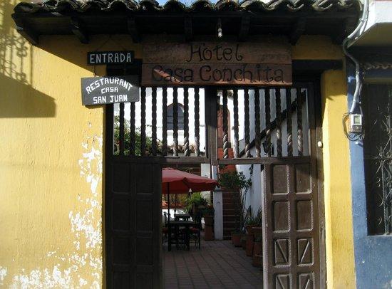 Casa de San Juan: Entrance to Hotel & Restaurant Casa San Juan