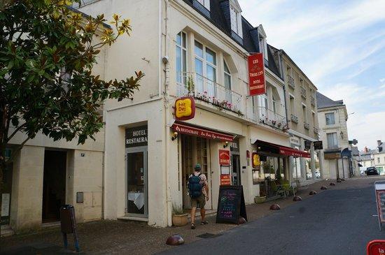 Les Trois Lys : Street view