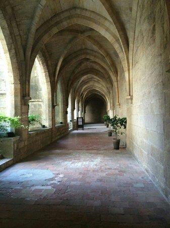 Hotel le Couvent Royal de Saint Maximin: Cour intérieure