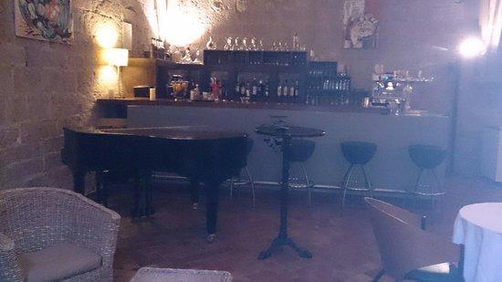 Hotel le Couvent Royal de Saint Maximin: Le bar
