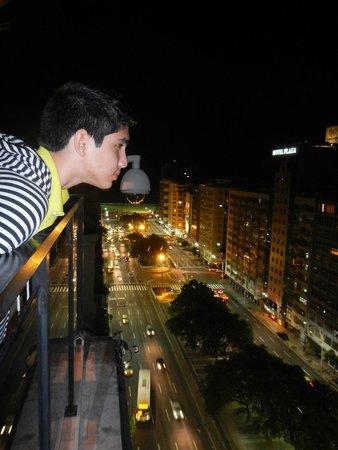 Augusto's Rio Copa Hotel: Terrace view of Avenida Princesa Isabel
