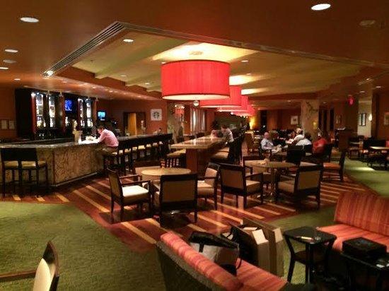 Bethesda Marriott: Dining and Bar Area