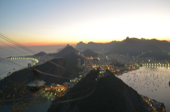 Manu Peclat - Rio Tour Guide: Dusk at Sugarloaf
