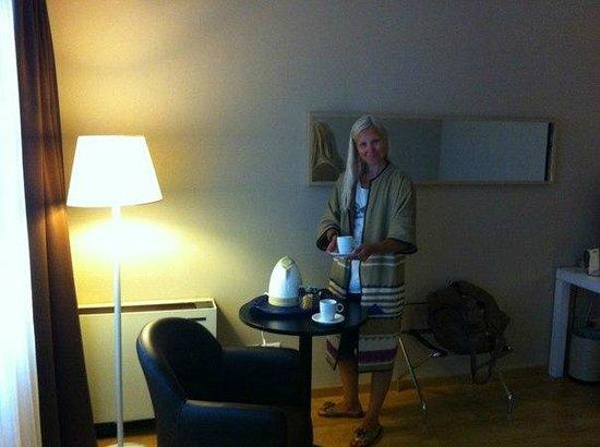 Best Western Hotel Blaise & Francis : Чайный столик в номере.