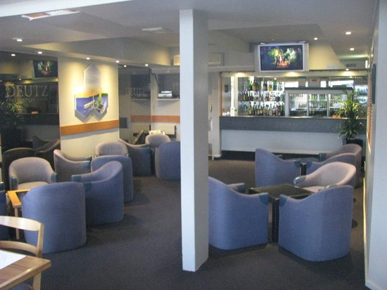 Auckland Rose Park Hotel: Bar