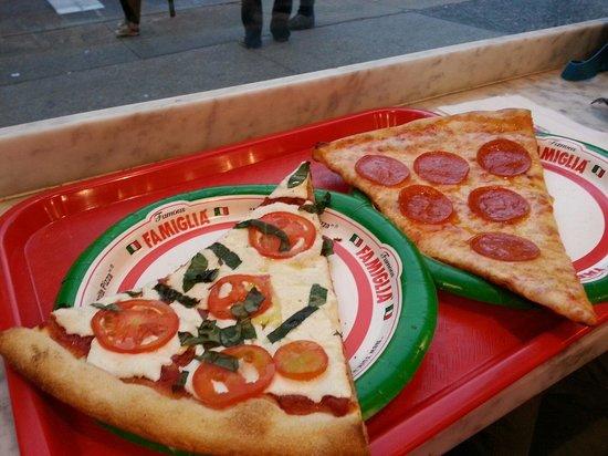 Famous famiglia pizzeria new york city 734 amsterdam for Casa famiglia new york