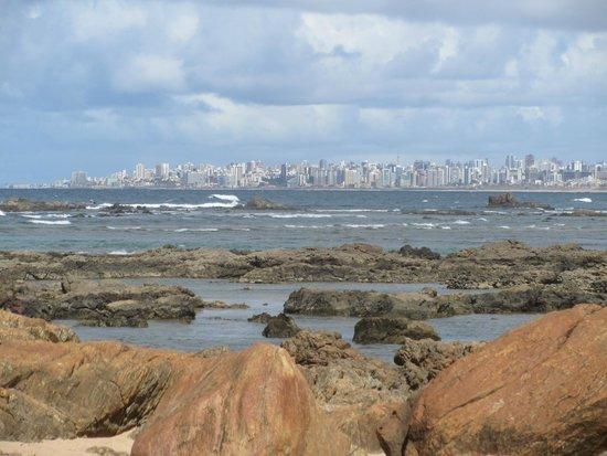 Vista di Salvador dalla spiaggia di Itapuì (a pochi passi da Casa Encantada)