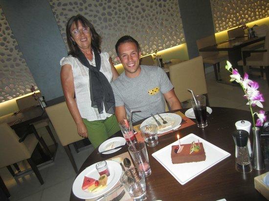 Coral Dubai Al Barsha Hotel: cumpleaños de mi hijo