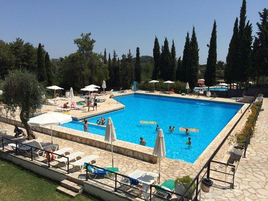 Hotel Magna Graecia: La grande piscine de l'hôtel