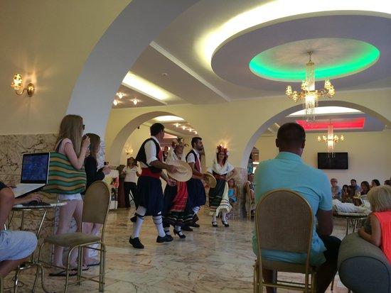 Hotel Magna Graecia: Soirée folklorique à l'hôtel Magna graecia