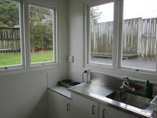 Flaxmill Bay Motel: Kitchen