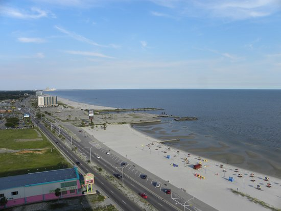 Ocean Club at Biloxi: view into the bay