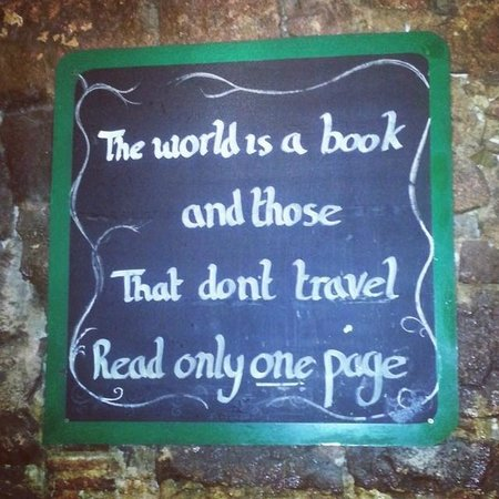 Travel Bar : Artwork on the wall