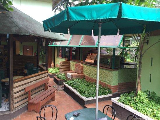 Manuela's Residence: Pool Bar OK but needs some money spending on it