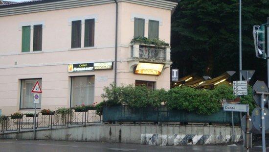 L 39 esterno picture of pizzeria ristorante x giugno for L esterno di un ristorante