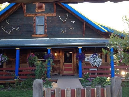 Halfway, OR: Pine Valley Lodge main building