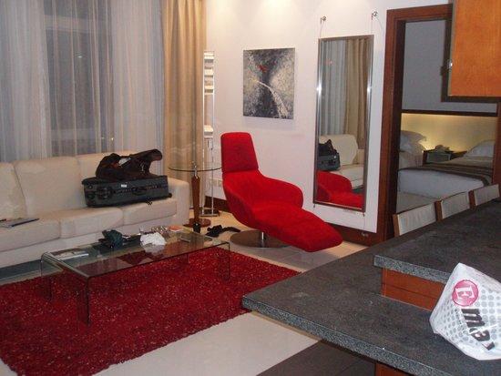 Villa Rotana - Dubai: lounge area