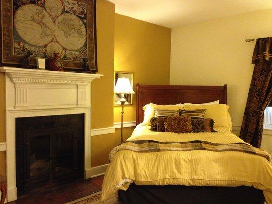 The Old Brick Inn: Col. Kemp room