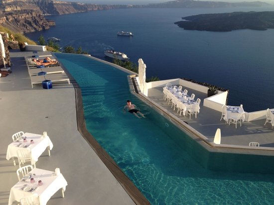 Grace Santorini Hotel: view from the pool