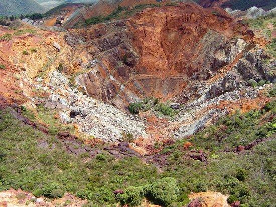 Koumac, كاليدونيا الجديدة: Exploitation à ciel ouvert du gisement de chrome (1901-1925))