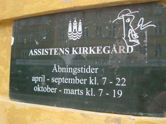 Assistenzfriedhof (Assistens Kirkegård): Signage