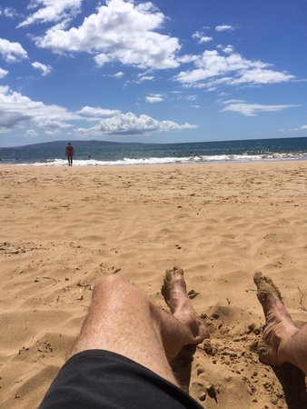 Kamaole Beach Park II: What a fantastic beach and right in town. Lots of sand on this beach, gentle fall to the deep wa
