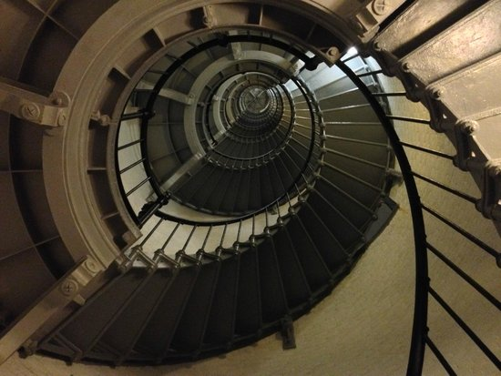 Ponce de Leon Inlet Lighthouse & Museum: Looking down the staircase!