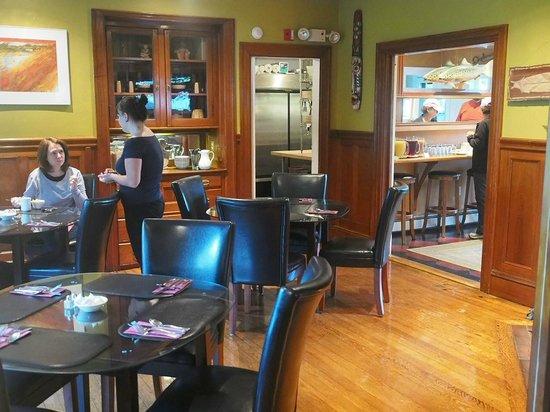 Lindenwood Inn: Breakfast area