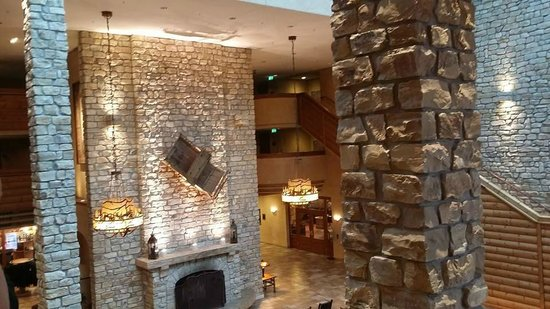 Edelweiss Lodge and Resort: Lobby