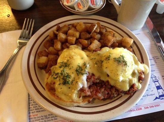 Breakfast Room: the best irish eggs benetict in the world