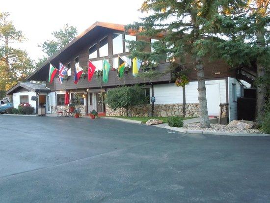 Bavarian Inn, Black Hills: Lobby/Breakfast/Indoor Pool