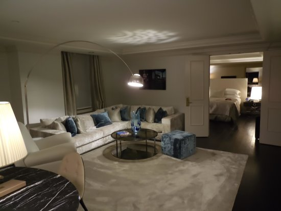 The Michelangelo Hotel: Sitting area in Grand One Bedroom Suite