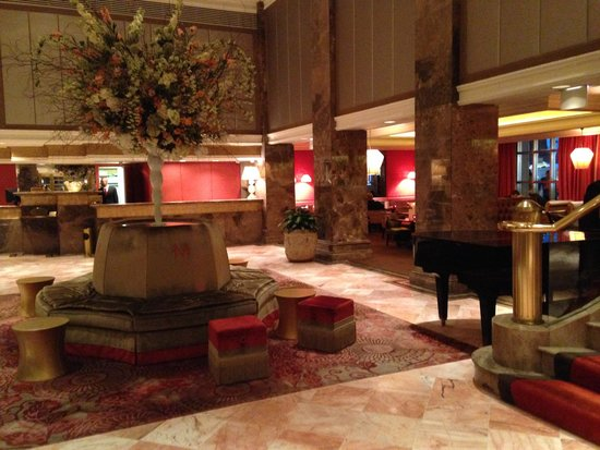The Michelangelo Hotel: Hotel Lobby