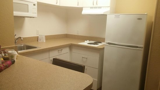 Extended Stay America - Shelton - Fairfield County : Kitchen